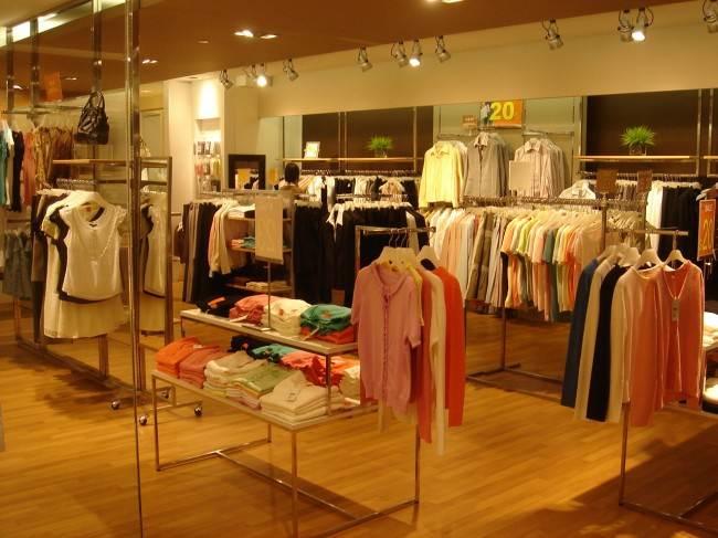 Lấy hàng quần áo sỉ giá rẻ qua dịch vụ orderquangchau24.com