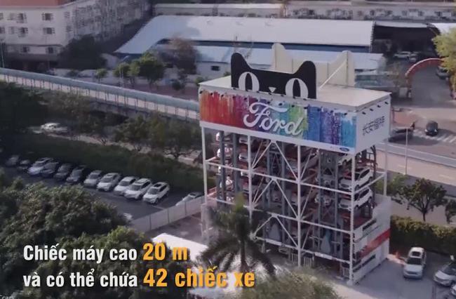 Ford bắt tay Alibaba cho ra đời máy bán ô tô tự động